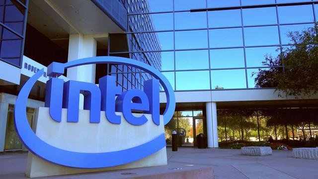 intel wearables layoffs building