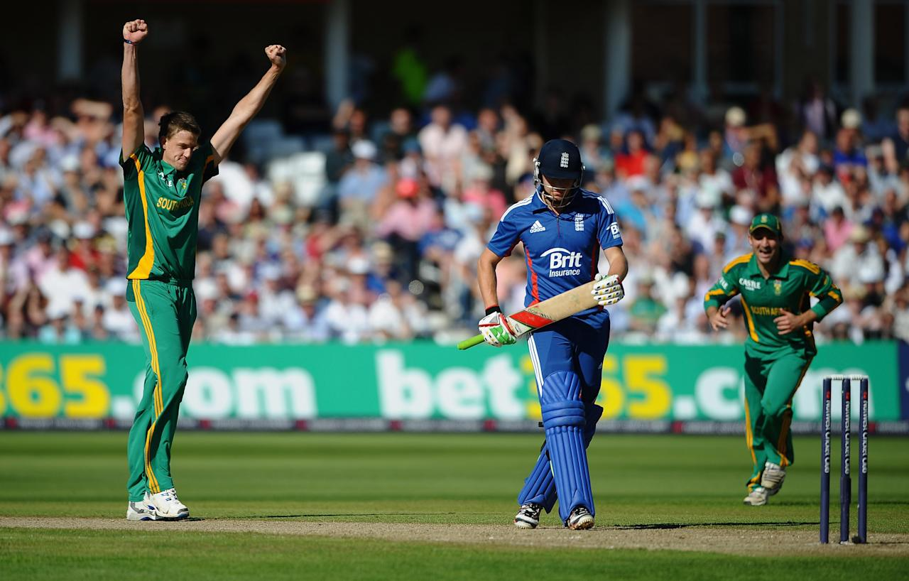 NOTTINGHAM, ENGLAND - SEPTEMBER 05:  Morne Morkel of South Africa celebrates the icket of Jonny Bairstow of England during the 5th NatWest Series ODI match England and South Africa at Trent Bridge on September 5, 2012 in Nottingham, England.  (Photo by Laurence Griffiths/Getty Images)