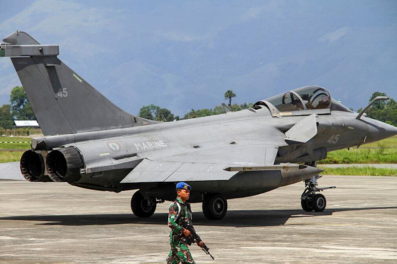 7 Dassault Rafale Fighter Jets Make Emergency Landing in Indonesia