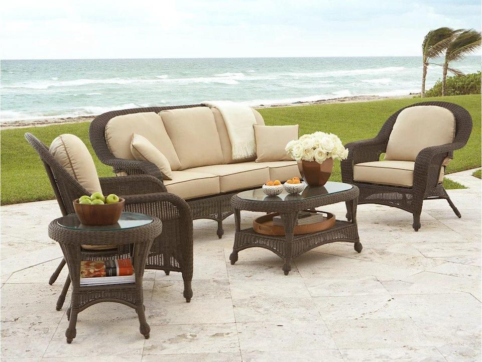 Save $450 this patio furniture set from Macy's.