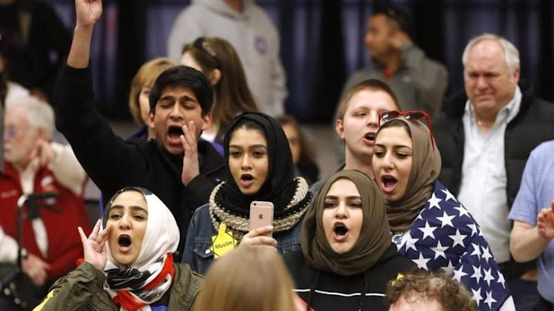 US Teen Starts Initiative to Make Refugee Students Feel at Home
