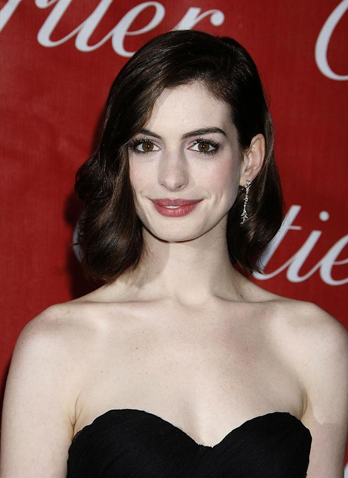 """<a href=""""http://movies.yahoo.com/movie/contributor/1804705919"""">Anne Hathaway</a> at the 20th Annual Palm Springs Film Festival Gala - 01/06/2009"""
