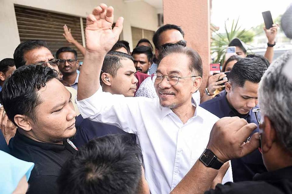 PKR vice president Dr Michael Teo says Sabah and Sarawak chapters chapters' decision to endorse Datuk Seri Anwar Ibrahim as for prime minister is consistent with the position of the Pakatan Harapan Presidential Council. — Picture by Miera Zulyana