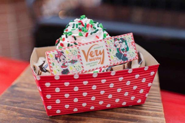 PHOTO: Christmas Cookie Sundae from Auntie Gravity's Galactic Goodies for Mickey's Very Merry Christmas Party at Magic Kingdom Park (Disney Parks )
