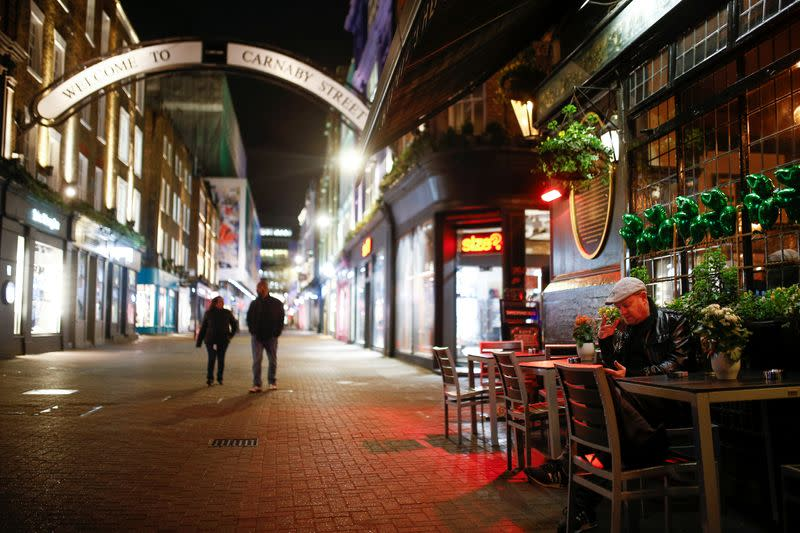 UK pub, restaurant owners eye debt waivers to ride out virus crisis
