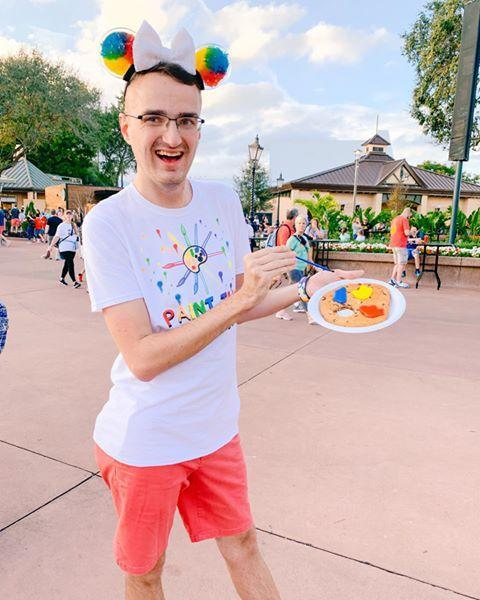 """<p>If you're looking for ways to do Disney on a budget, Geoffrey is an excellent <a href=""""https://themeparkmillennial.com/"""" rel=""""nofollow noopener"""" target=""""_blank"""" data-ylk=""""slk:source"""" class=""""link rapid-noclick-resp"""">source</a>. He's also nailed the art of putting together a cute Pride-themed outfit that's versatile and comfortable enough to spend a day in in a Florida theme park. Not easy, you guys! Not easy!</p><p><a href=""""https://www.instagram.com/p/B8MScKlHbU7/"""" rel=""""nofollow noopener"""" target=""""_blank"""" data-ylk=""""slk:See the original post on Instagram"""" class=""""link rapid-noclick-resp"""">See the original post on Instagram</a></p>"""