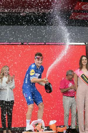 Cycling – the 101st Giro d'Italia cycling race – The 167-km Stage 2 from Haifa to Tel Aviv, Israel - May 5, 2018 - Team Quick-Step rider Elia Viviani of Italy celebrates winning the 2nd stage in Tel Aviv, Israel. REUTERS/Nir Keidar