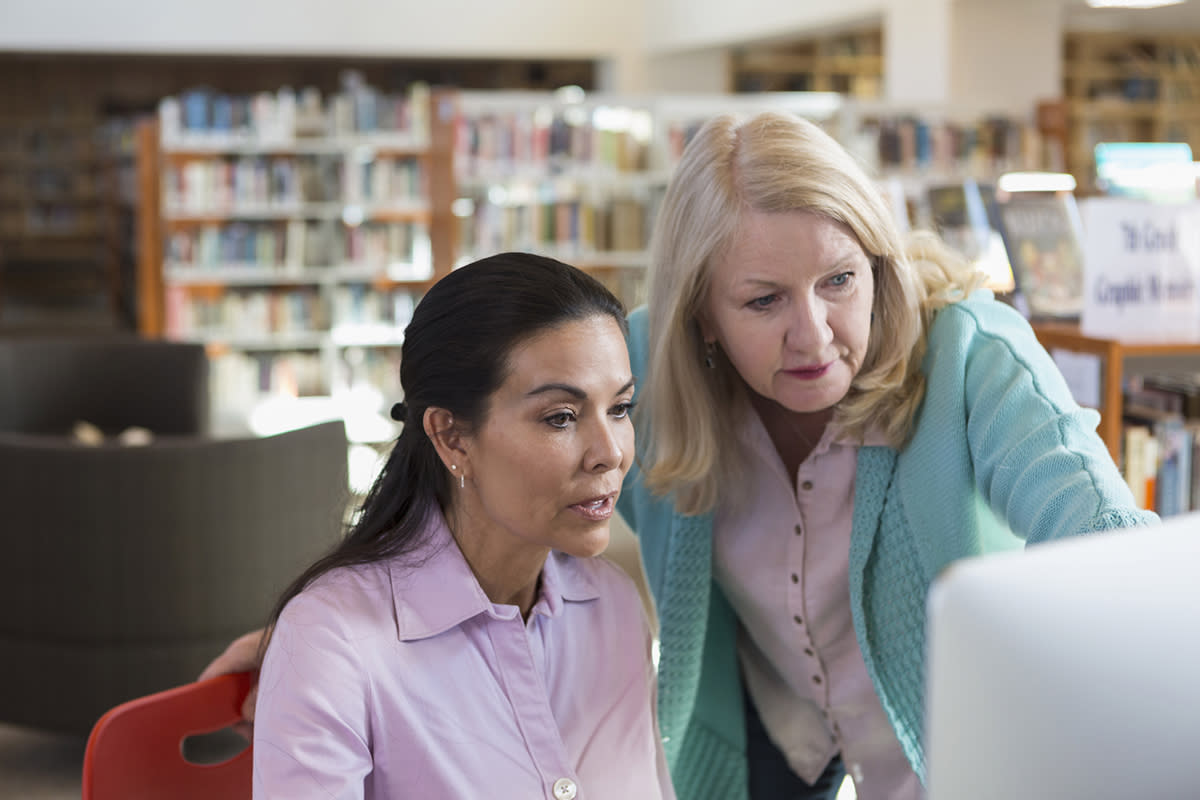 <p>If you love books and love helping people this is the job for you. At an average pay of $21.43 an hour, this is one of the highest paying job on the list. (Getty) </p>