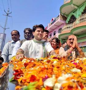 Bhopal: Jyotiraditya Scindia comes out in support of protesting guest scholars