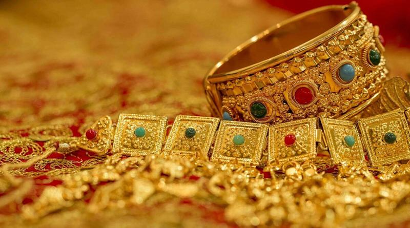Gold Rate Today: Price of Yellow Metal Index Slips to Rs 52,540 Per 10 Gram, Silver Rises to Rs 65,123 Per Kg
