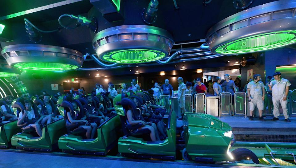 A woman says safety bars prevented her from enjoying many of the Universal Orlando rides. (Photo: Gustavo Caballero/Getty Images)