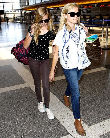 Reese Witherspoon, Daughter Ava Look Identical During Paris Trip: Pictures