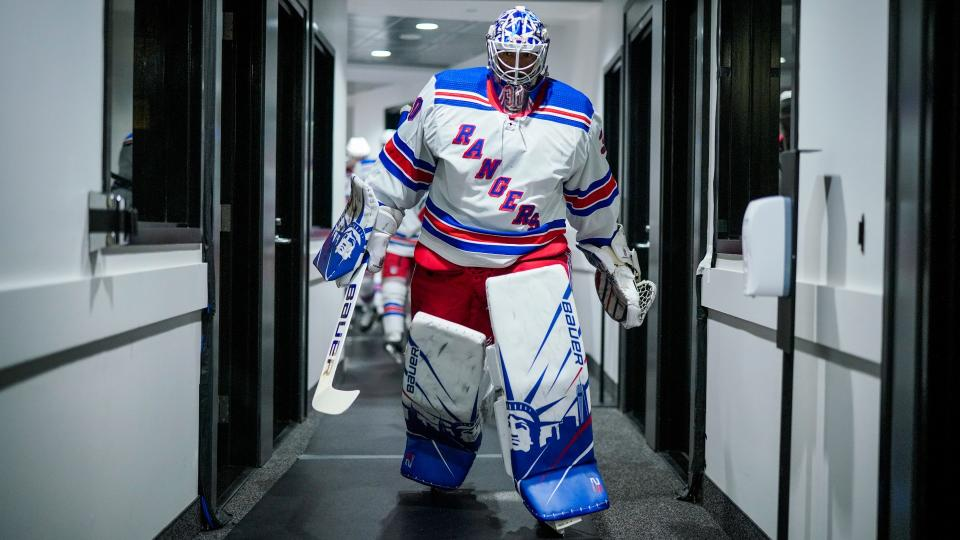 TORONTO, ONTARIO - AUGUST 03: Henrik Lundqvist #30 of the New York Rangers heads to the dressing room before facing the Carolina Hurricanes in Game Two of the Eastern Conference Qualification Round prior to the 2020 NHL Stanley Cup Playoffs at Scotiabank Arena on August 03, 2020 in Toronto, Ontario. (Photo by Mark Blinch/NHLI via Getty Images)