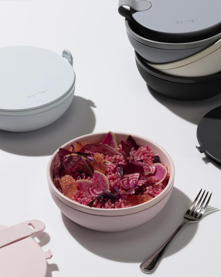 "Carefully packed lunches deserve this sleek, <a href=""https://www.amazon.com/WP-PBC-CM-Container-Airtight-Microwave-Dishwasher/dp/B07GLLB17B"">ceramic bowl</a> from W&P. A silicone lining prevents salad dressings or brothy soups from leaking, and there's an additional strap for extra tightness. Say goodbye forever to tumeric-stained plastic containers!  $40; <a href=""https://www.amazon.com/WP-PBC-CM-Container-Airtight-Microwave-Dishwasher/dp/B07GLLB17B?ie=UTF8&camp=1789&creative=9325&linkCode=as2&creativeASIN=B07GLLB17B&tag=people0d0-20&ascsubtag=b9ec9093580b9050c2a3141f21d978e8"" target=""_blank"" rel=""nofollow"">amazon.com</a>"