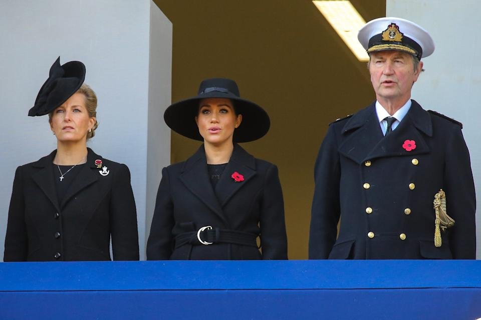 meghan markle remembrance balcony 2019