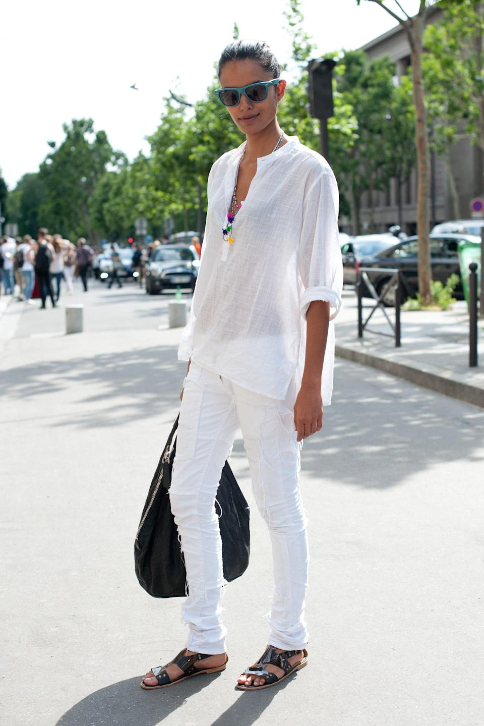 <p>White on white feels effortlessly summery - and we love the chic black accents.</p>