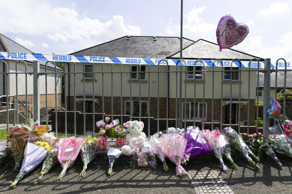 Floral tributes seen at the address where Amelia Brooke Harris was found dead. (Matthew Horwood/Getty Images)