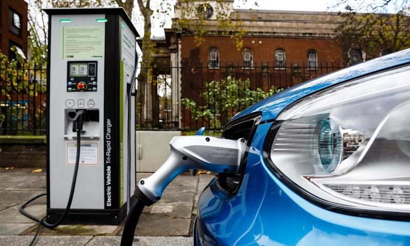 Go Ultra Low Kia Soul EV on charge on a London street.