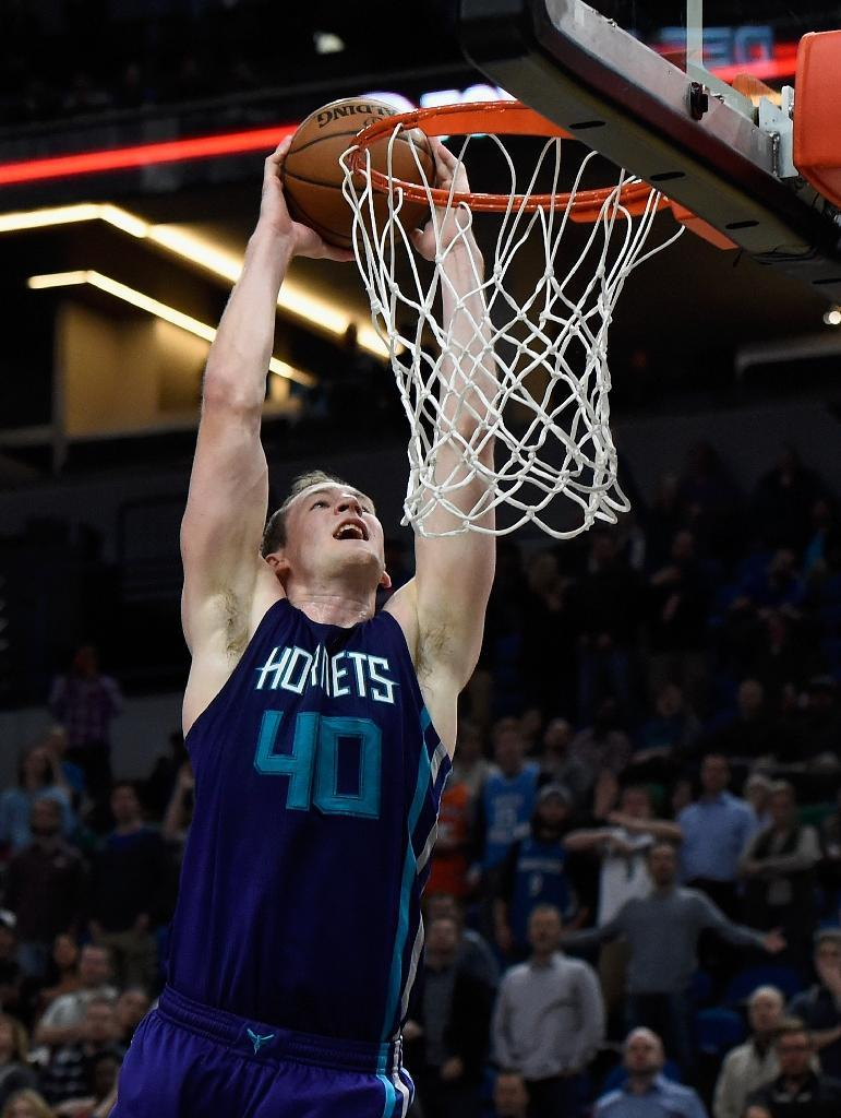 Cody Zeller scored 19 points as the Charlotte Hornets snapped a three-game losing streak with a 98-93 win over the Washington Wizards (AFP Photo/Hannah Foslien)