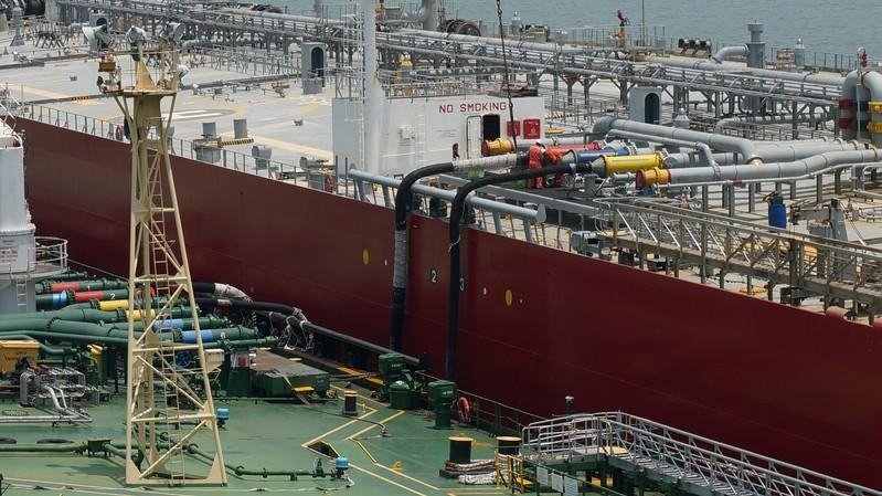 U.S. scoops up overseas fuel oil in pre-IMO push