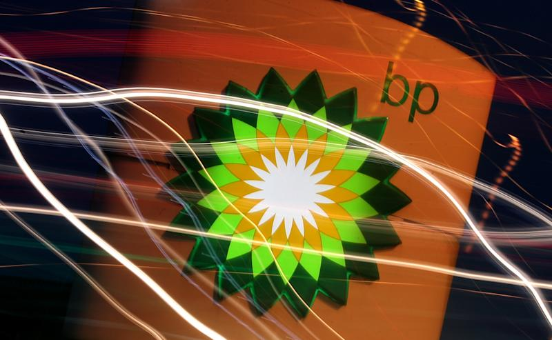 BP to tie executive pay to reducing greenhouse gas emissions