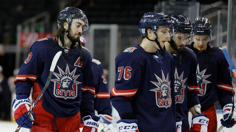 Mika Zibanejad, Rangers look defeated after loss to Bruins