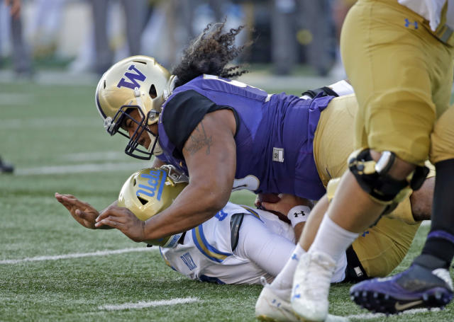 Vita Vea may be off to the NFL but Washington is still the big favorite in the Pac-12. (AP Photo/Elaine Thompson, File)