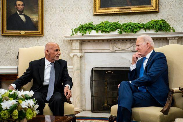 <strong>US president Joe Biden hosts then Afghanistan president Ashraf Ghani in the Oval Office at the White House in June.</strong> (Photo: Pool via Getty Images)