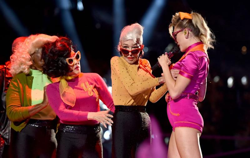 Shirley Claire says she was not offended with Miley touching her breasts, as she reveals that was an improvised move on Miley's part after Shirley did it to the singer in a choreographed move. Source: Getty