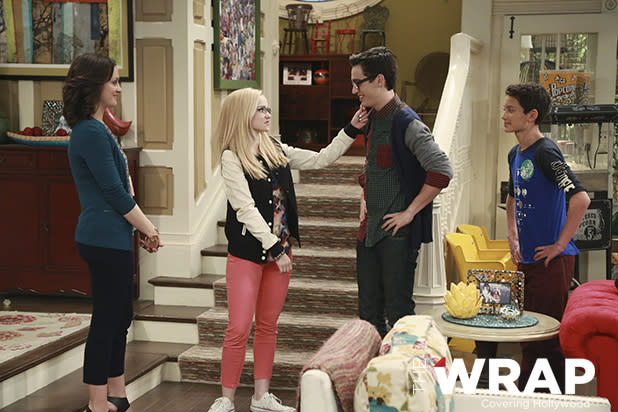 Liv And Maddie Season Finale Preview Reveals Dove Cameron