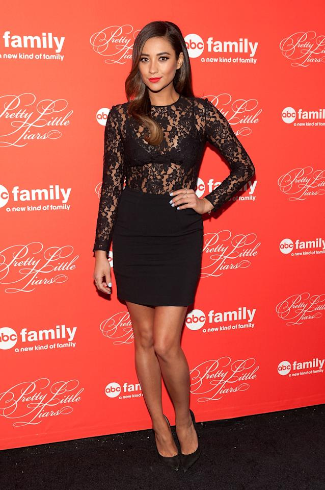 "NEW YORK, NY - MARCH 18: Shay Mitchell attends the ""Pretty Little Liars"" season finale screening at Ziegfeld Theater on March 18, 2014 in New York City. (Photo by D Dipasupil/Getty Images)"