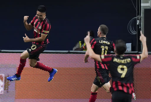 Atlanta finally scores, Martinez brace beats Nashville 2-0