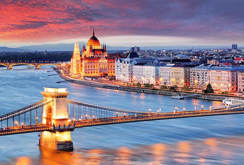 Budapest by night - Credit: TTstudio - Fotolia