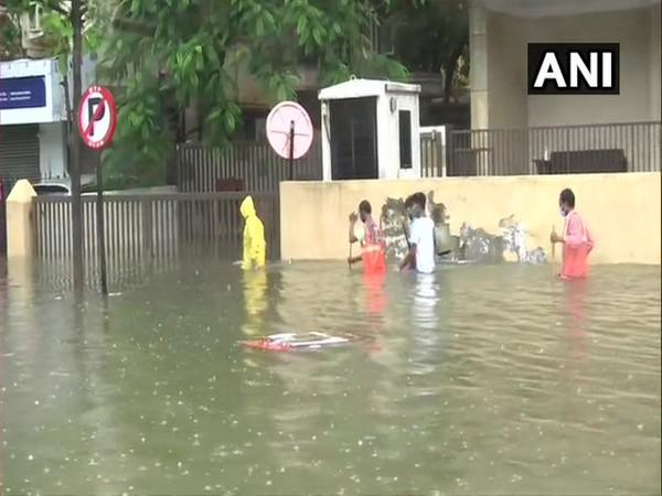 Rainfall causes waterlogging in several areas across Mumbai. [Photo/ANI]