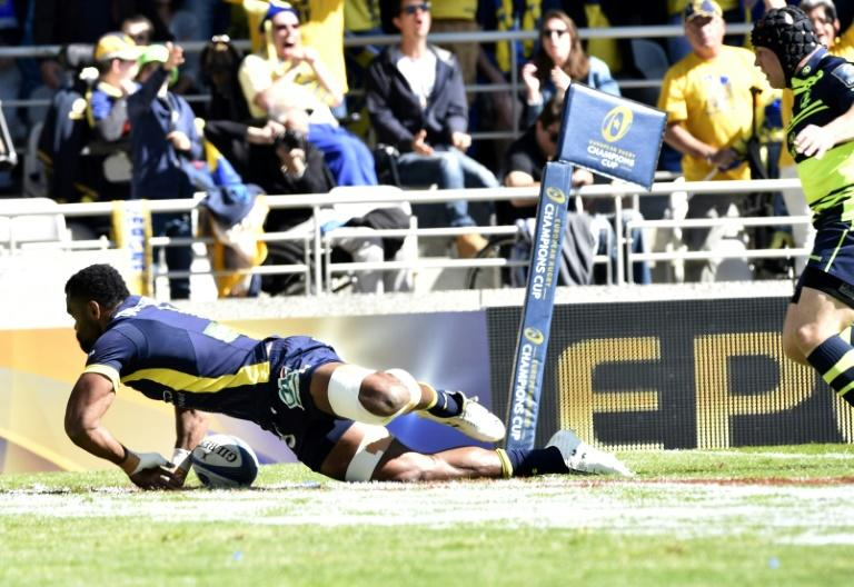 Clermont's flanker Peceli Yato scores a try on April 23, 2017