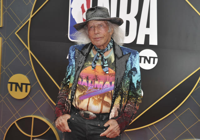 NBA fan James Goldstein arrives at the NBA Awards on Monday, June 24, 2019, at the Barker Hangar in Santa Monica, Calif. (Photo by Richard Shotwell/Invision/AP)