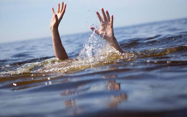 13 drown as dinghy capsizes in AP stream