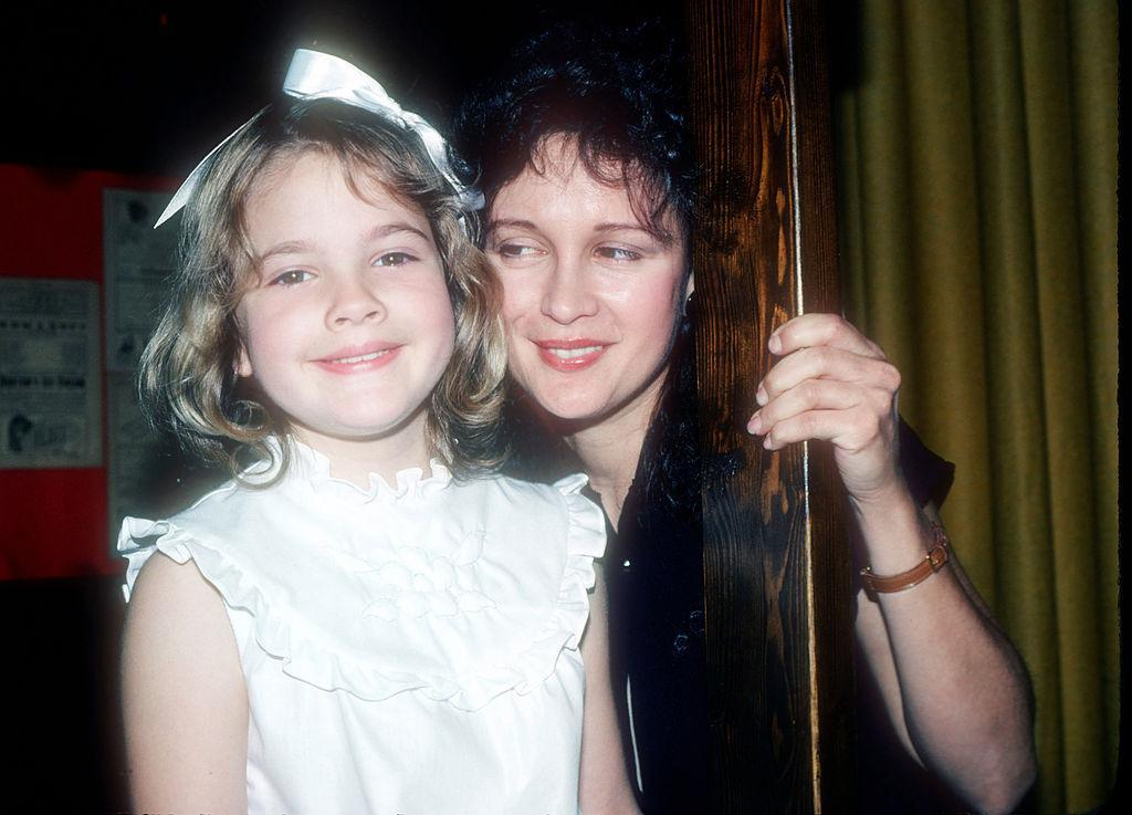 Drew Barrymore and Jaid Barrymore pose for a photo on June 8, 1982 in New York City . (Photo: Yvonne Hemsey/Getty Images)