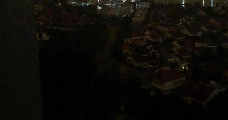 e58c6a34966c3c Blackout hits large parts of Singapore in wee hours of Tuesday