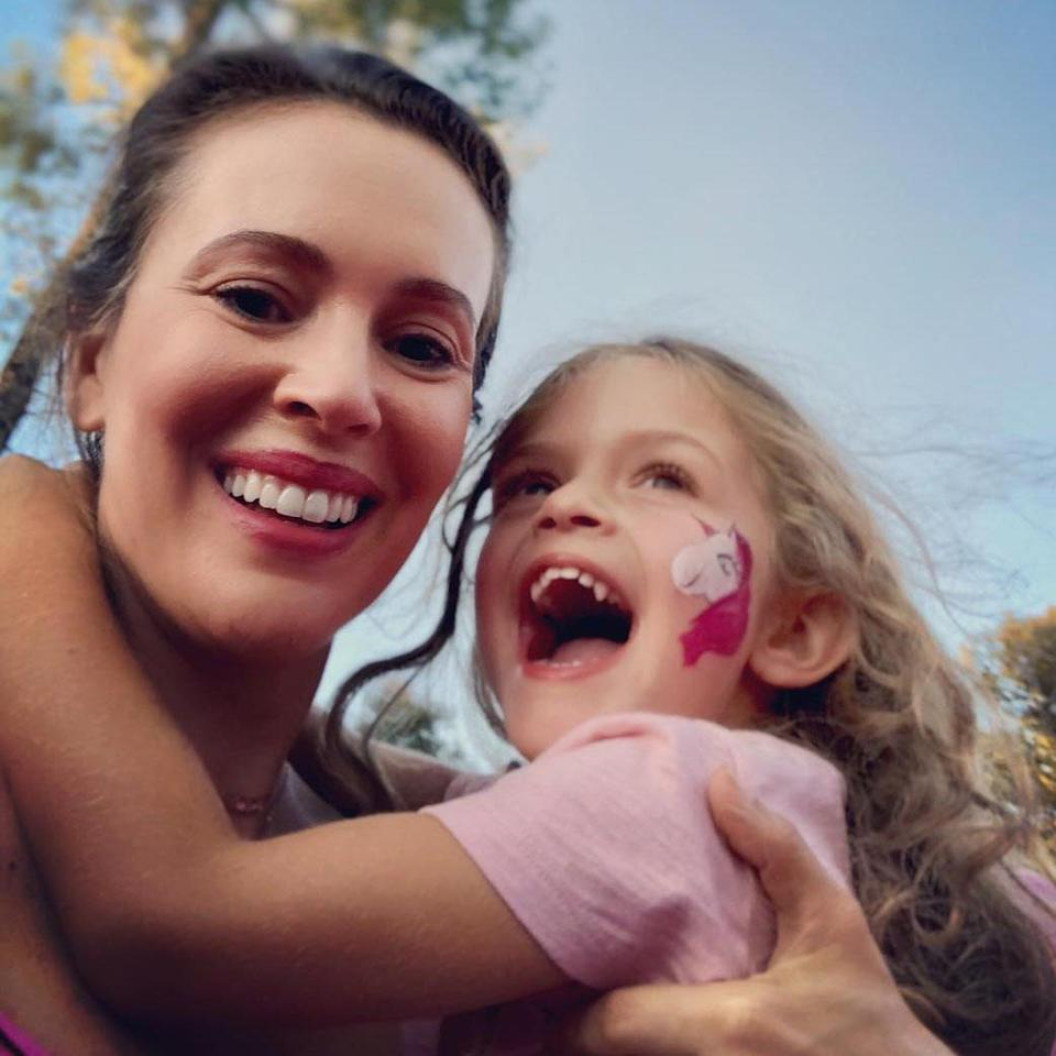 Alyssa Milano shares moving video for her daughter about the #MeToo movement. (Photo: Alyssa Milano/Instagram)