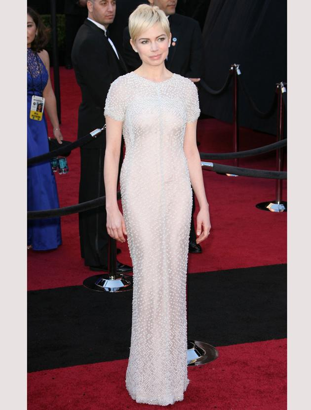 Oscars 2011 photos: Michelle Williams kept thing classic and chic in this beaded Chanel gown.