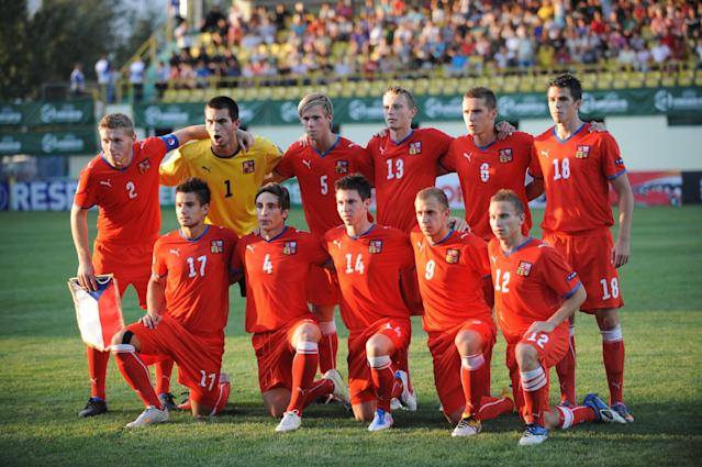 Czech Republic's players pose before their UEFA European Under-19 Championship 2010/2011 final football match against Spain in Chiajna village, next to Bucharest, on August 1, 2011. AFP PHOTO/DANIEL MIHAILESCU (Photo credit should read DANIEL MIHAILESCU/AFP/Getty Images)