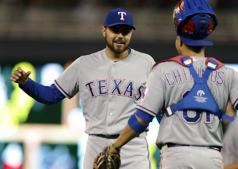Saunders, Rangers grind out 1-0 win over Twins