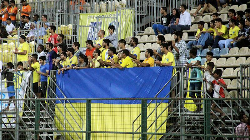 Mumbai FC supporters I-League 2017