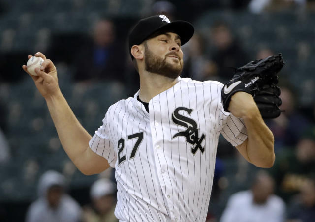 Chicago White Sox starting pitcher Lucas Giolito throws against the Oakland Athletics during the first inning of the second game of a baseball doubleheader in Chicago, Friday, June 22, 2018. (AP Photo/Nam Y. Huh)