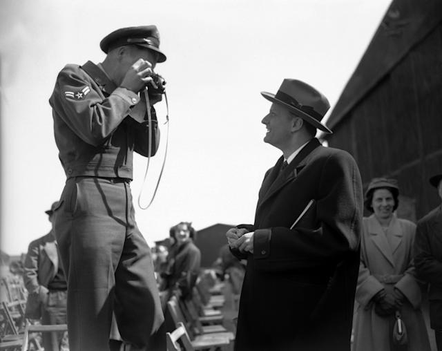 <p>Airman second class Billy Sisk, of Shelby, N.C., photographs Billy Graham during the evangelist's visit to the U.S third air force base at Weathersfield, near Braintree, Essex, in the United Kingdom, on April 26, 1954. (Photo: AP) </p>