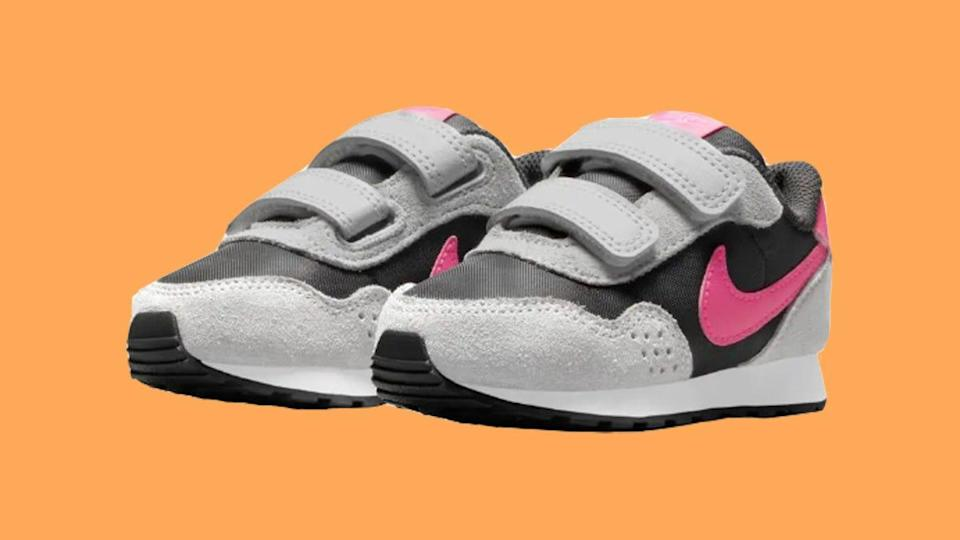 Parents love these stylish Nike MD Valiant sneakers for their babies, toddlers and little kids.