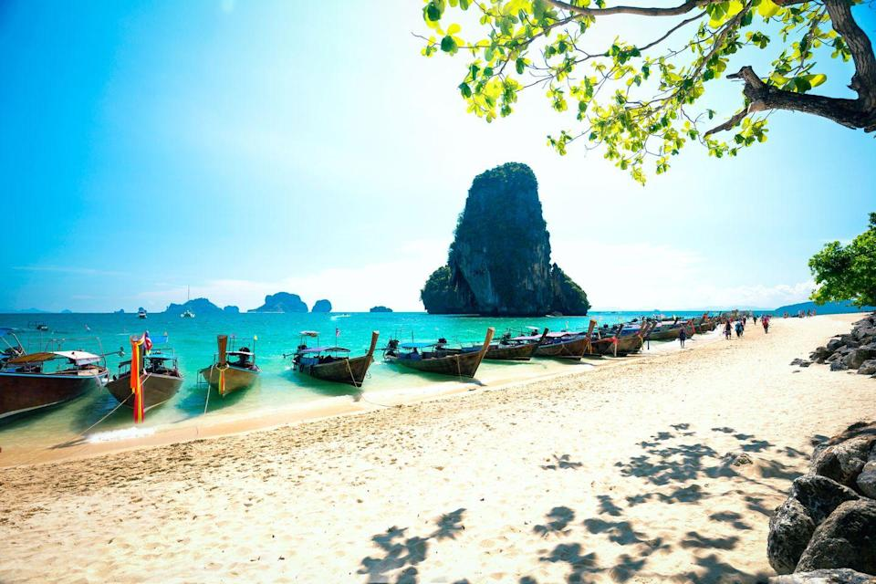 <p>Cut off from the rest of the mainland of Krabi province by high limestone cliffs, Railay Beach is only accessible by boat, making it one of Thailand's most peaceful and beautiful beaches.</p>
