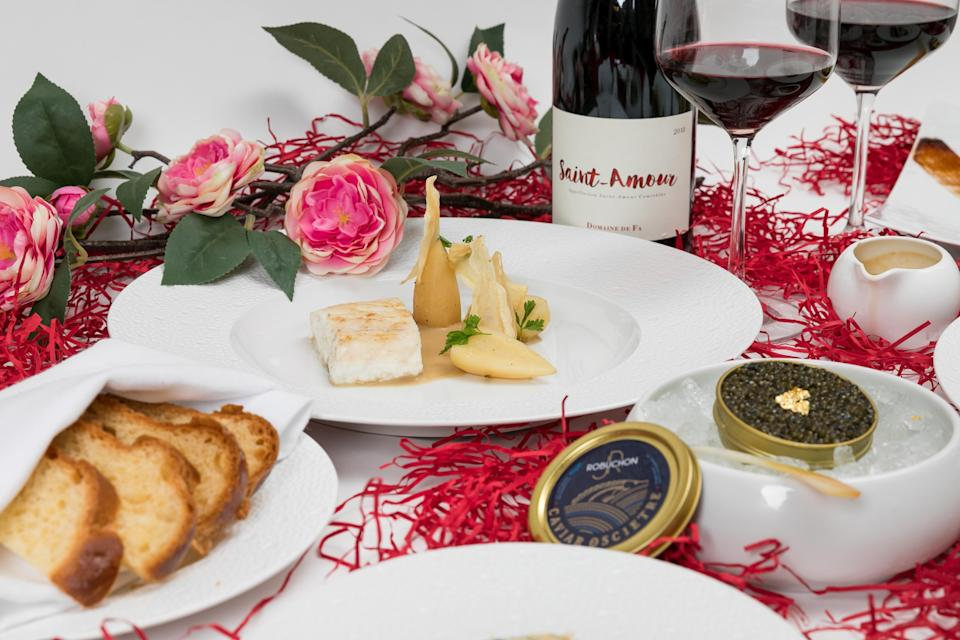 <p>This year, a spoiling selection of restaurants across the country have created special menus of their epicurean delights to deliver directly to your door. From traditional French cuisine to elegant Tuscan dishes, impress your loved one with a romantic candlelit dinner of only the finest fare.</p>