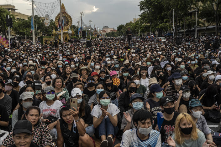 At least 10,000 protesters gather in Bangkok for the largest rally in Bangkok since a coup in 2014, Aug. 16, 2020. (Adam Dean/The New York Times)